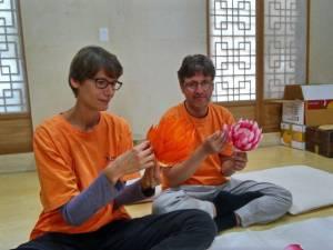 making lotus lanterns